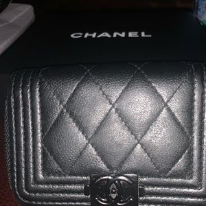 Authentic Chanel Boy wallet/Quilted caviar leather